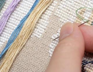 С чего начать вышивку крестом: как закрепить нить и где начать 85